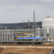 Natural-gas purifying & liquefying plant