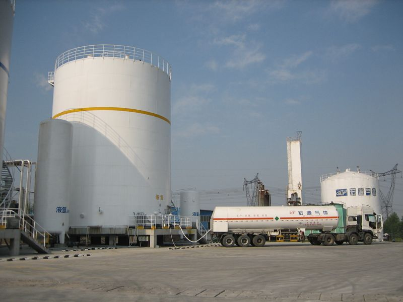 High purity liquid product plant